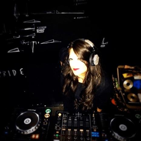 DJ ANE LA CURTIDORA